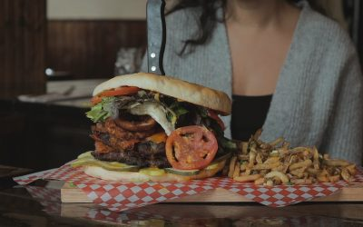 St. John's has a burger challenge.. and IT IS ENORMOUS